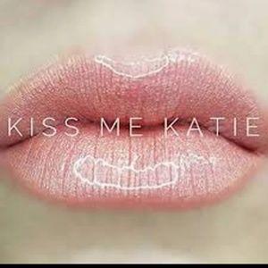 Lipsense Kiss Me Katie